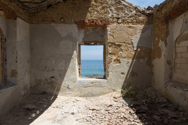 Ansicht vom alten Haus von Marine Protected-Bereich von Plemmirio in Syr stockbilder