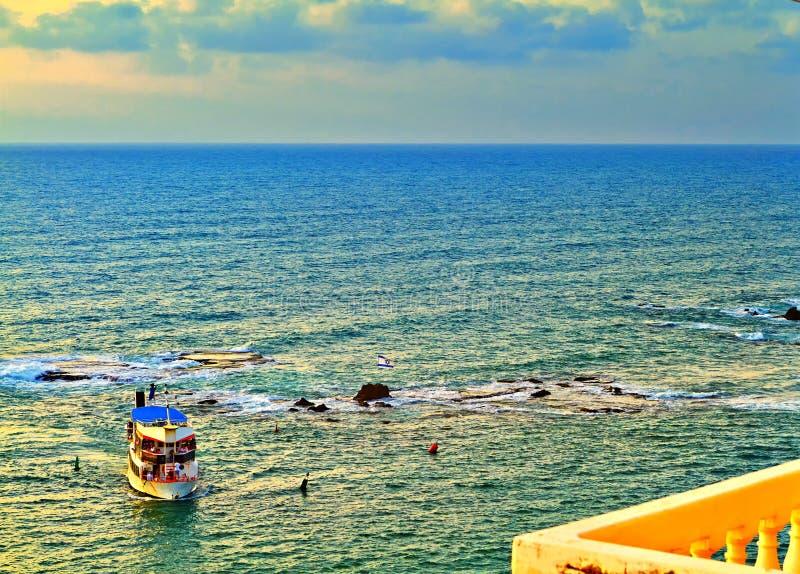 Ansicht vom alten Jaffa zum Mittelmeer lizenzfreie stockbilder