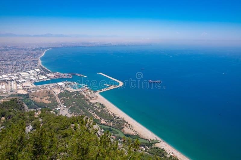 Ansicht vom Aussichtsplattform TÃ ¼ nektepe Teleferik Tesisleri in Antalya, die Türkei lizenzfreie stockfotografie