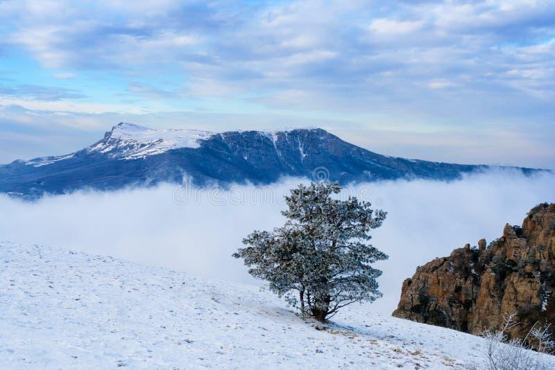 Ansicht vom Berg Demerzhdy, Krim, Ukraine stockfoto