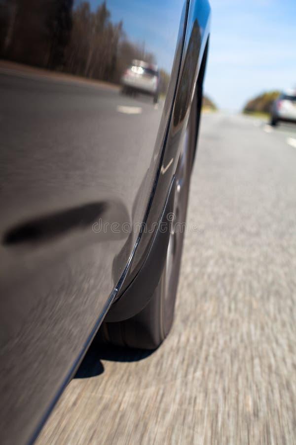 Ansicht vom beweglichen Auto lizenzfreie stockfotografie