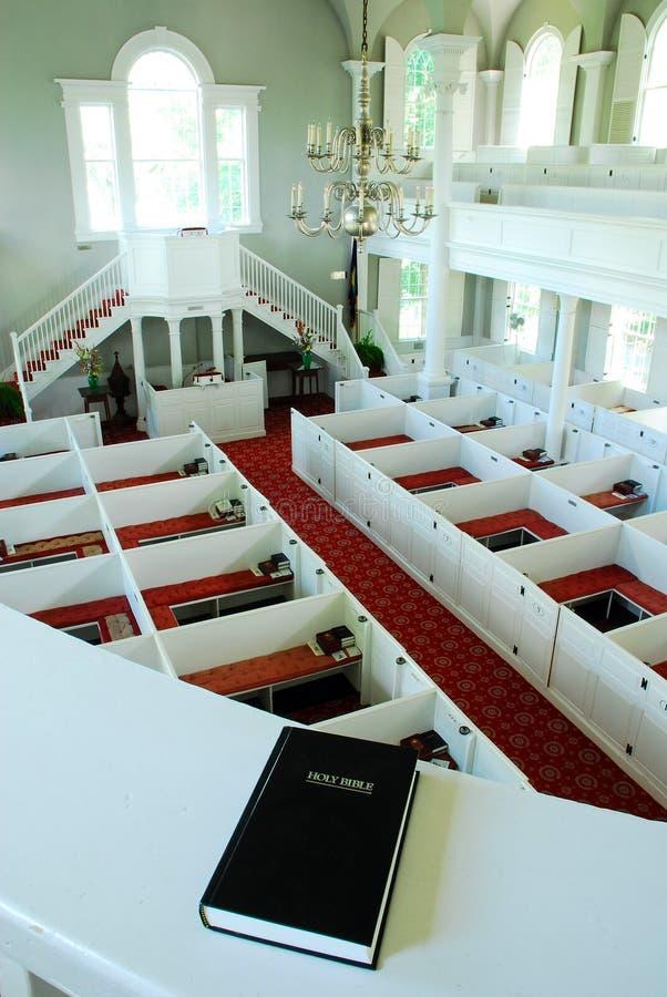 Ansicht vom Chor-Dachboden lizenzfreie stockfotos