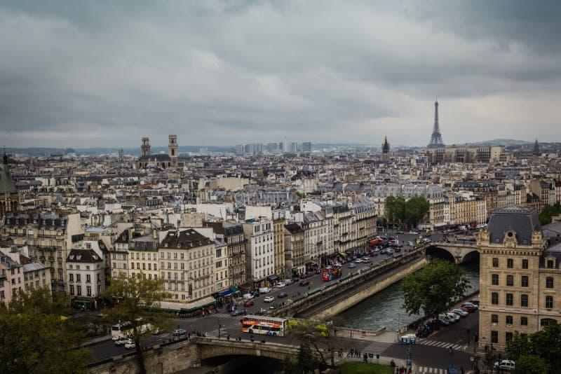 Ansicht vom Dach des Notre-Dame de Paris stockbilder