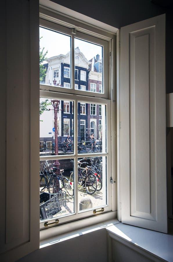 Ansicht vom Fenster stockbild