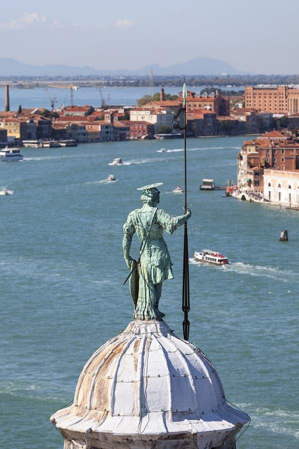 Ansicht vom Glockenturm der Kirche Benediktiner-Sans Giorgio Maggiore des 16. Jahrhunderts auf Giudecca-Kanal, Venedig, Italien lizenzfreie stockbilder