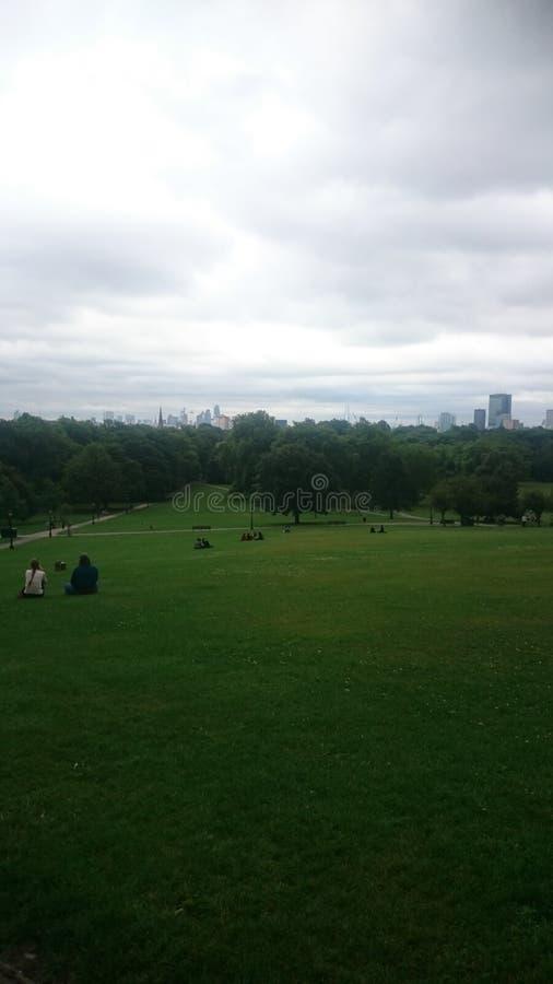 Ansicht vom Park lizenzfreie stockbilder