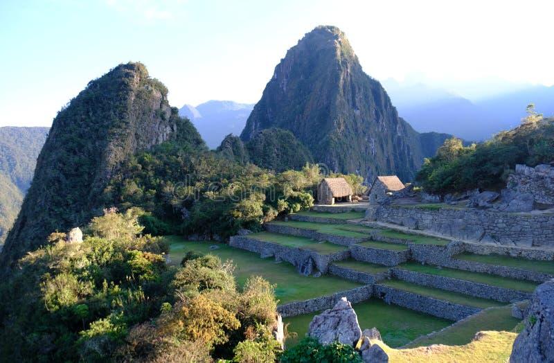 Ansicht von archäologischer Fundstätte Machu Picchu auf Berg Huayna Picchu lizenzfreie stockbilder