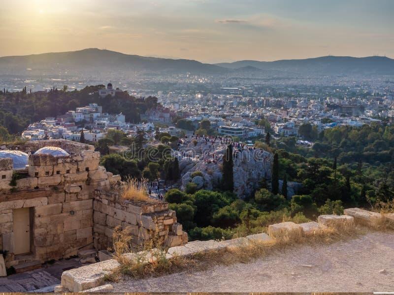 Ansicht von Athen- und Areopagus-Hügel von der Akropolise in Athen, Griechenland lizenzfreie stockbilder