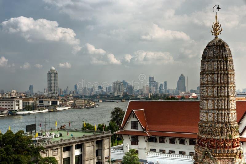 Ansicht von Bangkok vom Krieg Arun, Thailandia. stockfotos