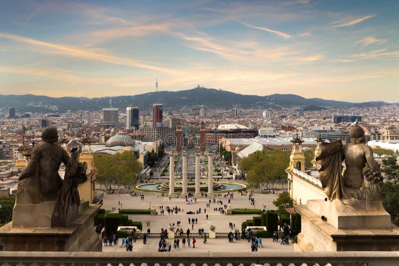 Ansicht von Barcelona, Spanien Plaza de Espana am Abend mit Sonnenuntergang lizenzfreie stockfotos