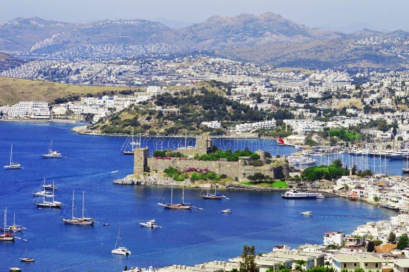 Ansicht von Bodrum-Hafen während des heißen Sommertages Das Türkische Riviera stockfotografie