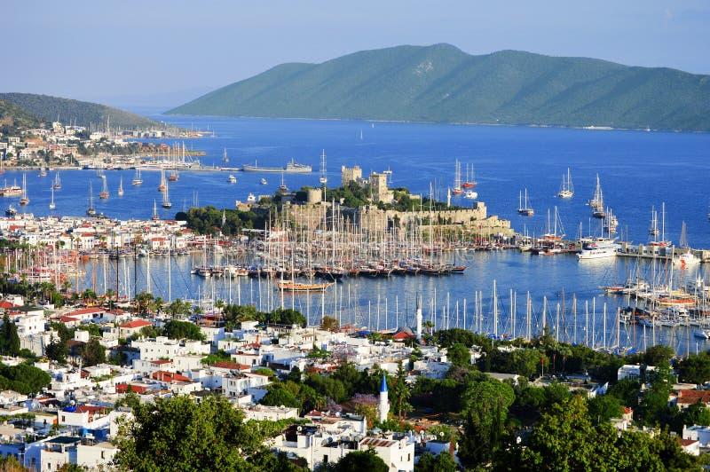 Ansicht von Bodrum-Hafen während des heißen Sommertages Das Türkische Riviera stockbilder