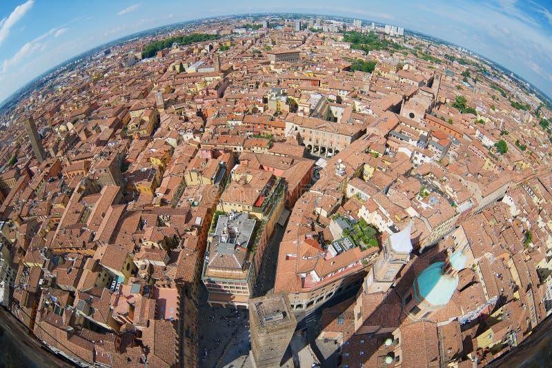 Ansicht von der Spitze Asinelli-Turms mit einer Türspionslinse nach Bologna, Italien lizenzfreie stockfotos
