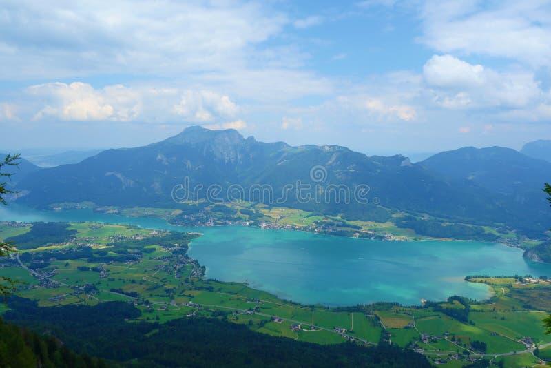 Ansicht von der Spitze des Berges nannte Bleckwand, das Wolfgangsee in Österreich, Europa übersieht stockbilder