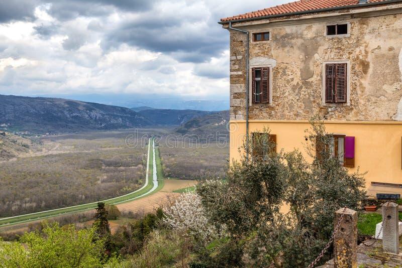 Ansicht von die historische Stadt Motovun stockfotos