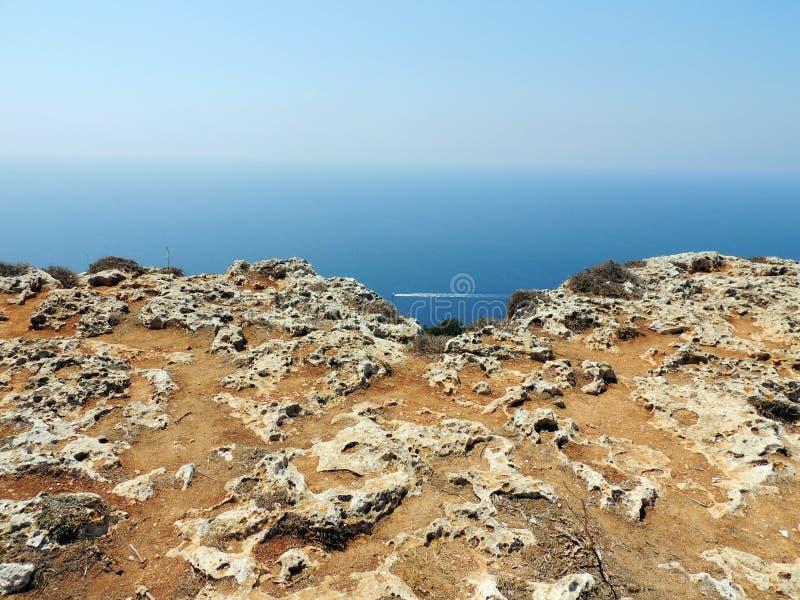 Ansicht von dingli Klippen in Malta stockfotos