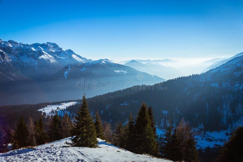 Ansicht von Dolomit lizenzfreie stockbilder