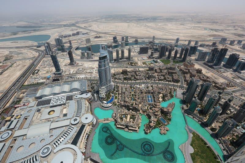 Ansicht von Dubai von Wolkenkratzer Burj Khalifa stockfotografie