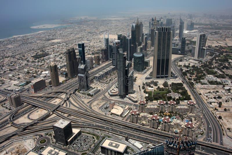 Ansicht von Dubai von Wolkenkratzer Burj Khalifa stockbild