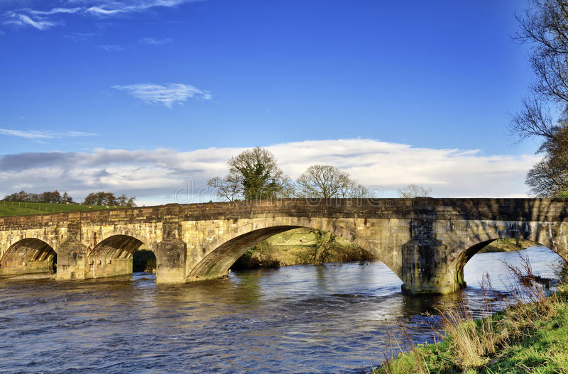 Ansicht von Eadsford Brücke, Clitheroe. stockbilder