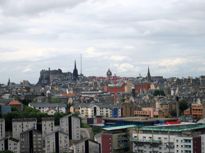 Ansicht von Edinburgh-Skylinen mit dem Schloss im Hintergrund stockfoto