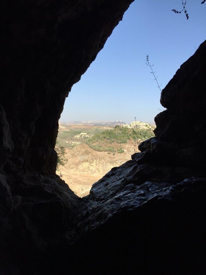Ansicht von einer Höhle lizenzfreies stockfoto