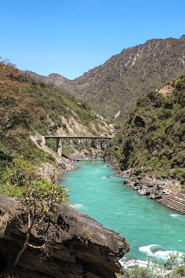 Ansicht von Fluss Devprayag, Uttarkhand, Indiens und Bhagirathi stockfoto