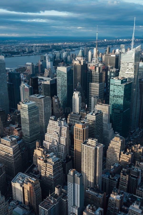 Ansicht von Geb?uden in Midtown Manhattan, in New York City lizenzfreies stockfoto