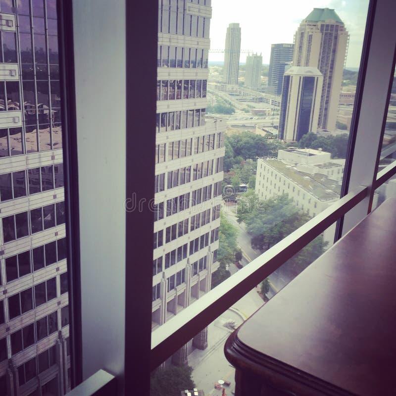 Ansicht von Geschäfts-Gebäuden