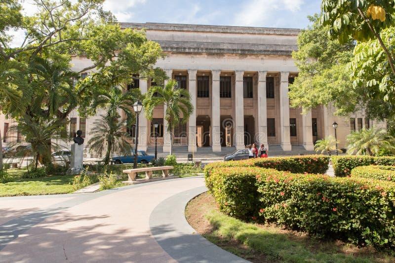 Ansicht von Havana University, Kuba lizenzfreie stockbilder