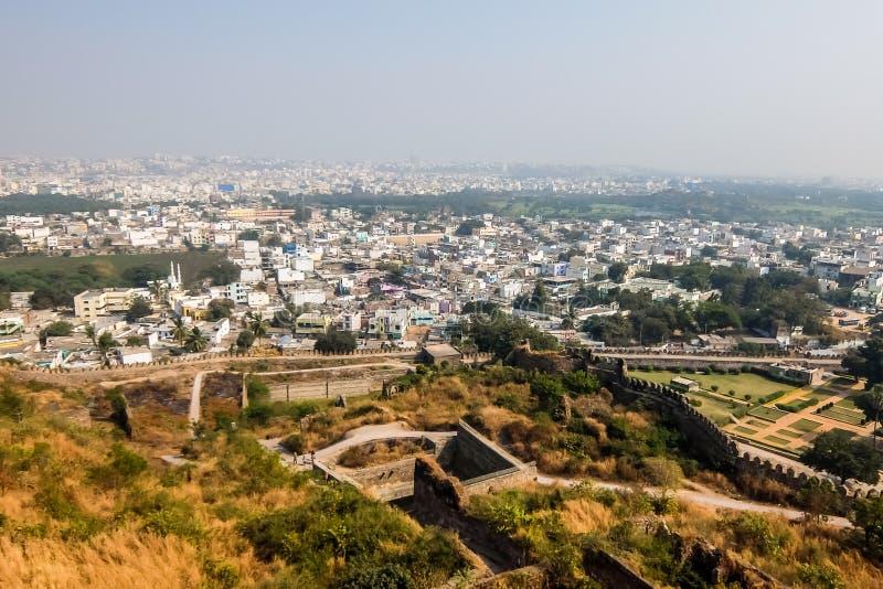 Ansicht von Hyderabad-Stadtbild von den Golkonda-Fortwänden stockfotografie