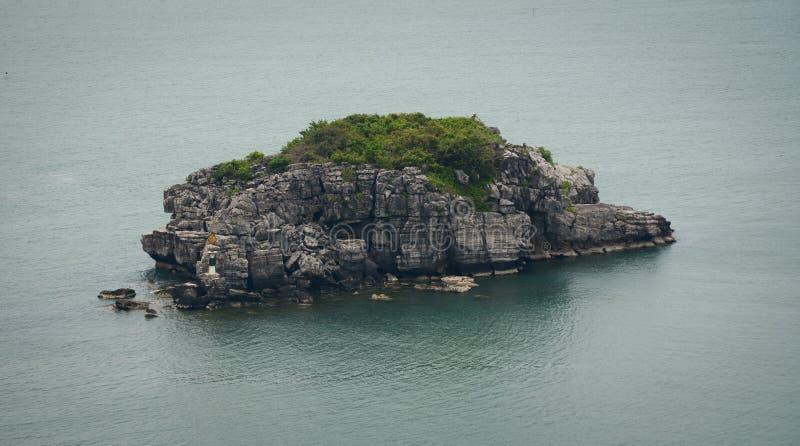 Ansicht von Insel in Cat Ba-Insel lizenzfreie stockfotografie