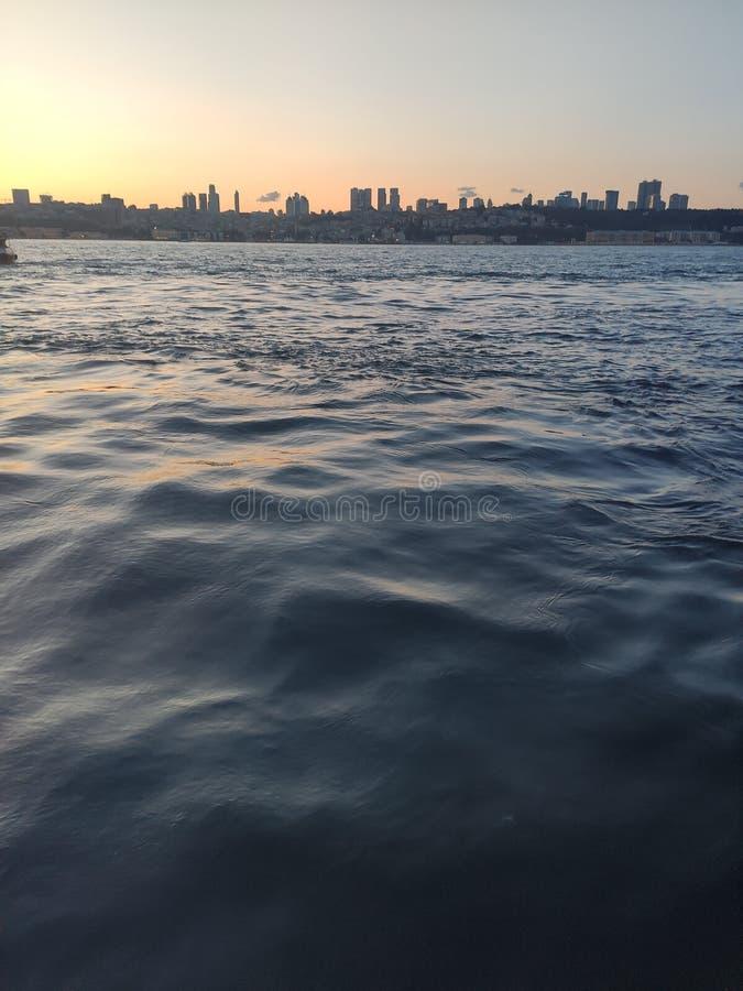 Ansicht von Istanbul vom Bosphorus, die Türkei lizenzfreie stockbilder