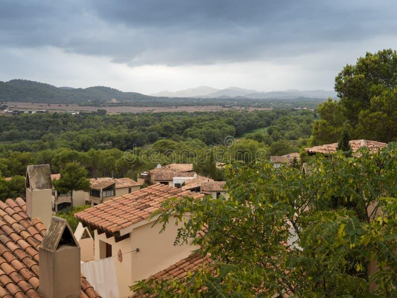 Ansicht von Kappe vermell innerhalb Mallorca an einem bewölkten Tag lizenzfreie stockbilder