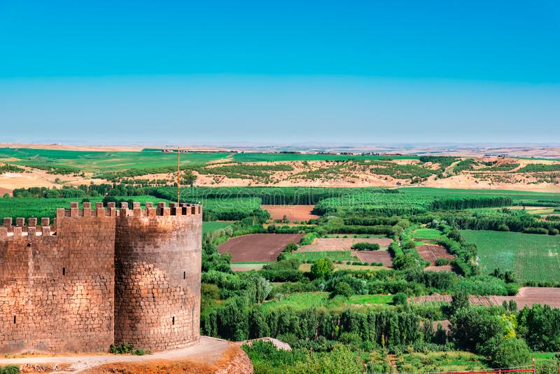 Ansicht von Keci Burcu (Ziegen-Turm) und von Hevsel Bahceleri (Gärten) stockfoto
