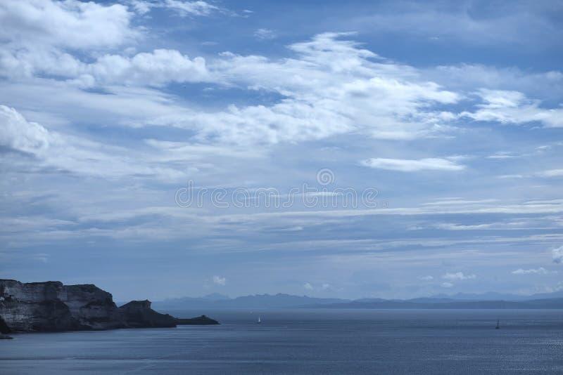 Ansicht von Korsika nach Sardinien stockbilder