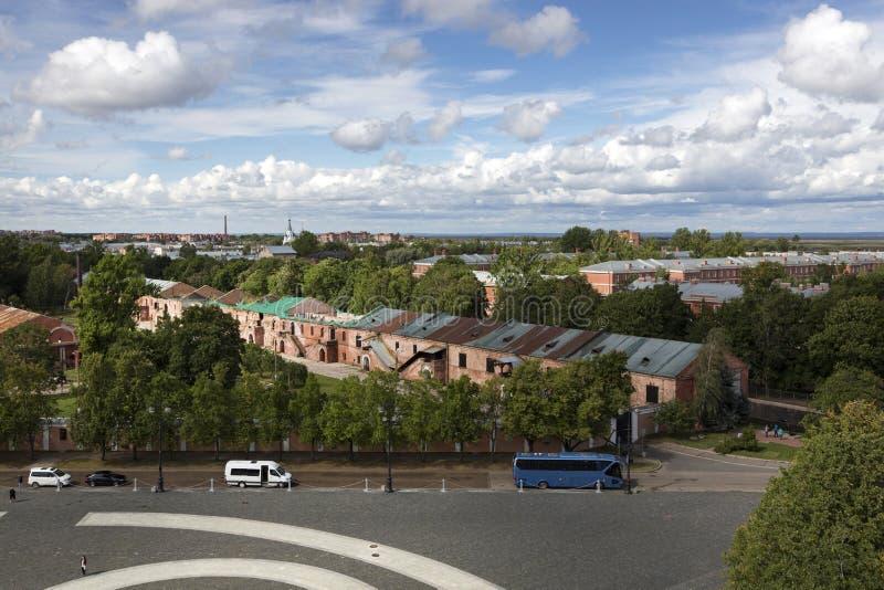 Ansicht von Kronstadt vom Glockenturm der Marine-Nikolsky-Kathedrale stockbilder