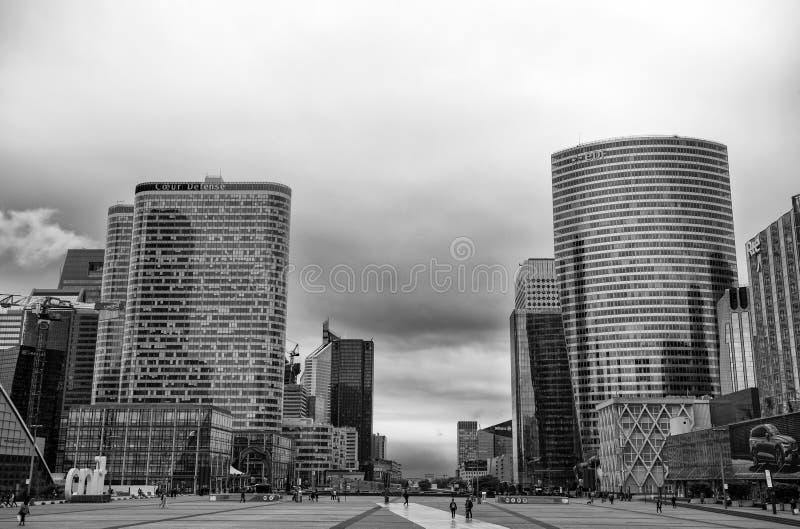 Ansicht von La-Verteidigungsgebäuden, ein bedeutendes Geschäftsgebiet der Stadt, Paris, Frankreich lizenzfreies stockbild