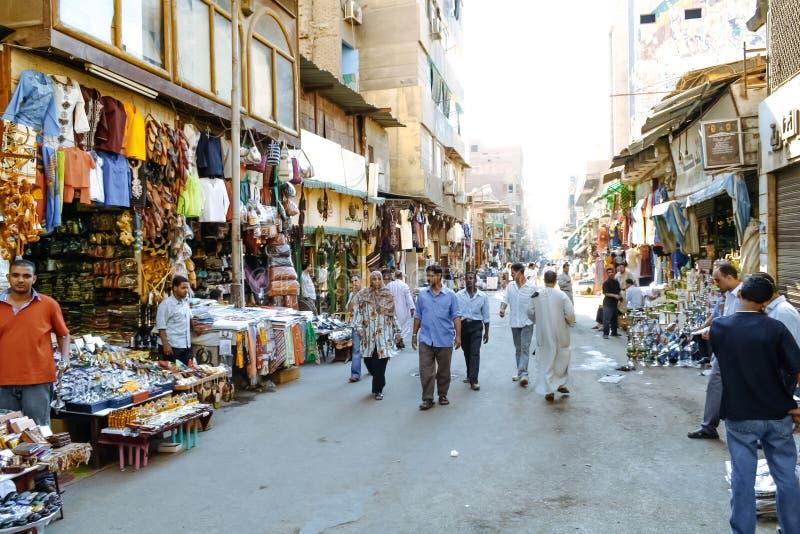 Ansicht von Leuten am Khan El-Khalili-souk kairo Egypt lizenzfreies stockfoto