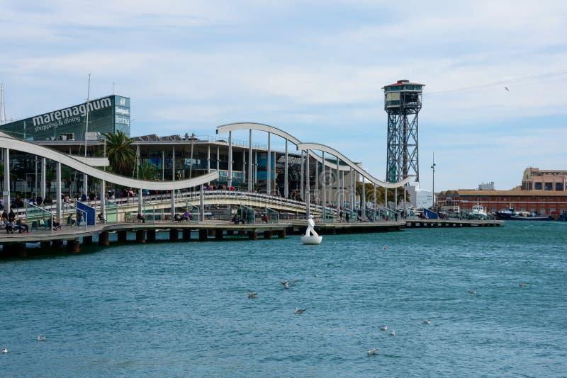 Ansicht von Maremagnum-Einkaufszentrum am alten Hafen lizenzfreie stockbilder