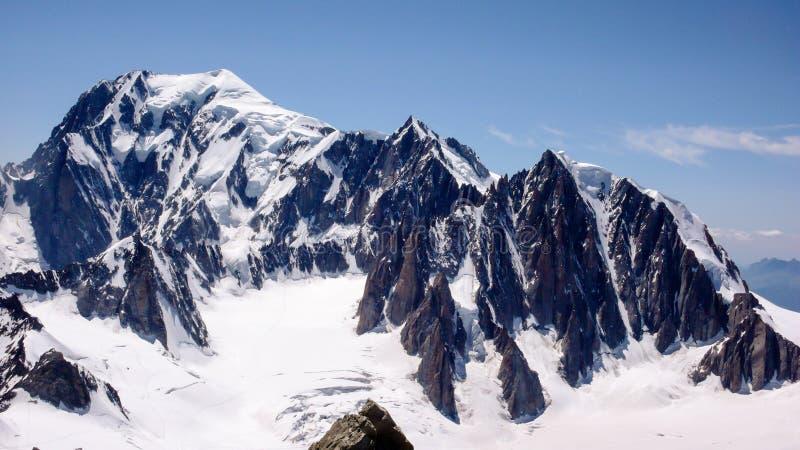 Ansicht von Mont Blanc in den französischen Alpen lizenzfreies stockbild