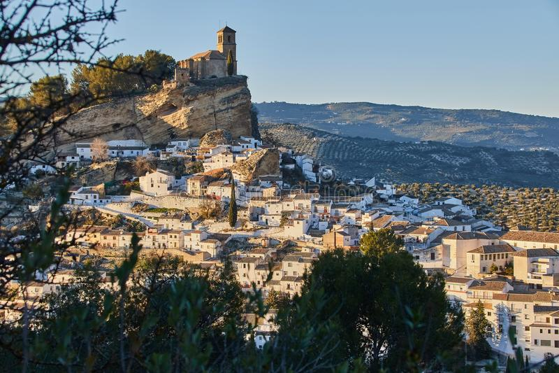 Ansicht von Montefrio-Dorf in Granada-Provinz, Spanien lizenzfreie stockbilder