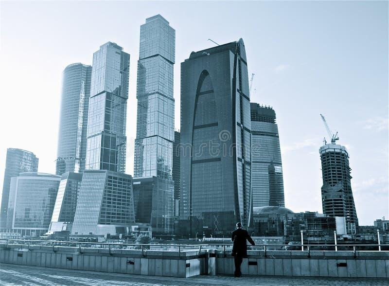 Ansicht von Moskau-Stadt-Wolkenkratzern stockfotos