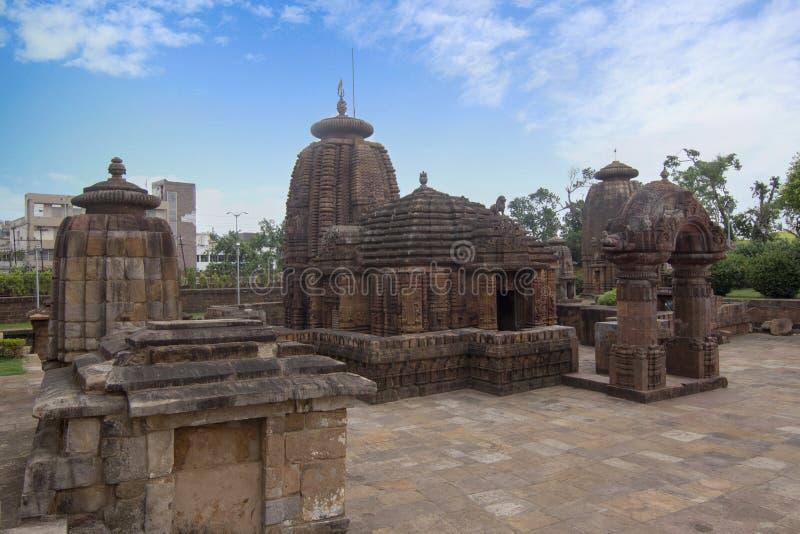 Ansicht von Mukteshvara-Tempel mit blauem Himmel hindische Tempel der des 10. Jahrhunderts, der Shiva eingeweiht wurde, fand in B lizenzfreie stockbilder