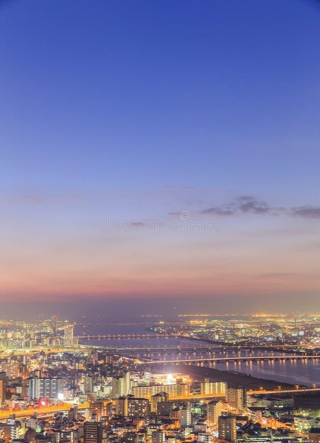 Ansicht von Osaka vom Dachgeschoss des höchsten Gebäudes in der Stadt stockfoto