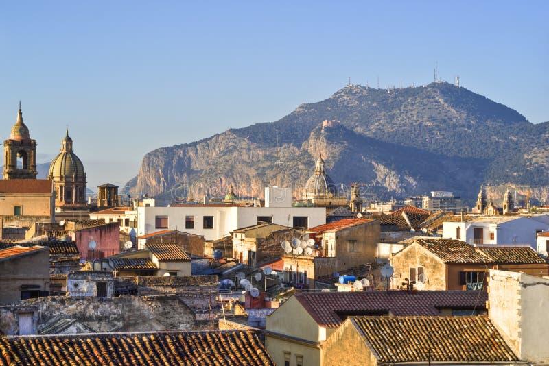 Ansicht von Palermo mit Dächern lizenzfreies stockbild