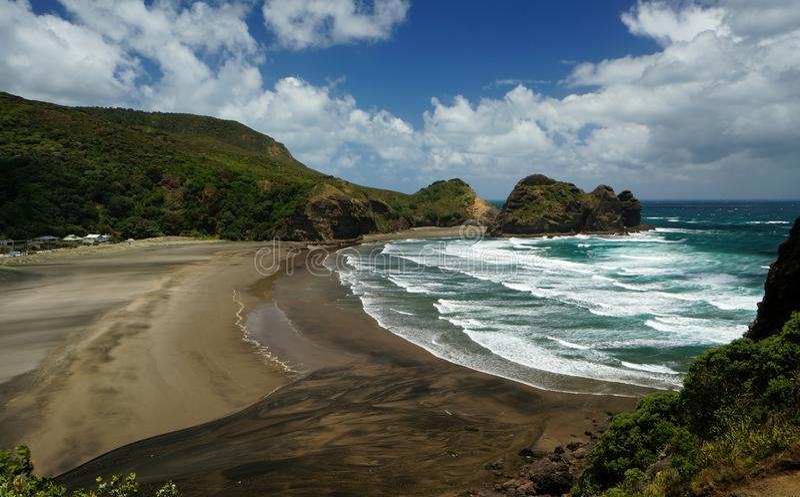 Taitomo-Inselansicht An Piha-Strand, Auckland, Neuseeland ...