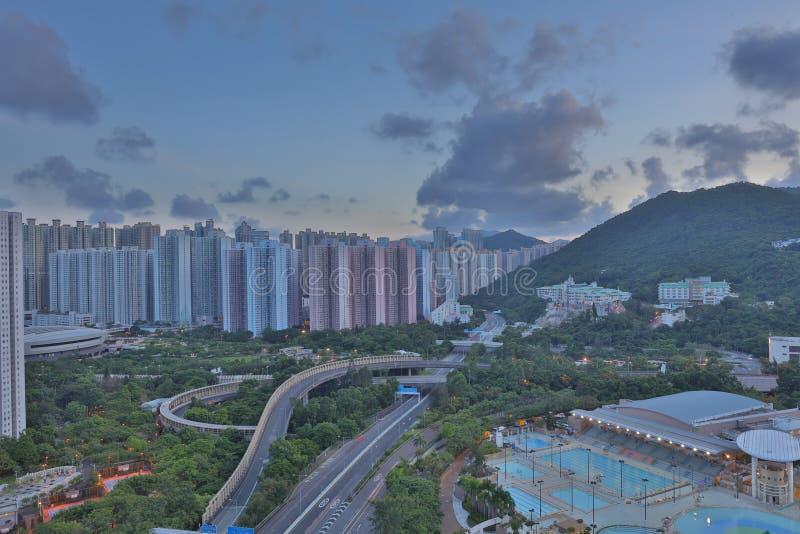 Ansicht von PO Shun Road bei Tseung Kwan O stockbilder