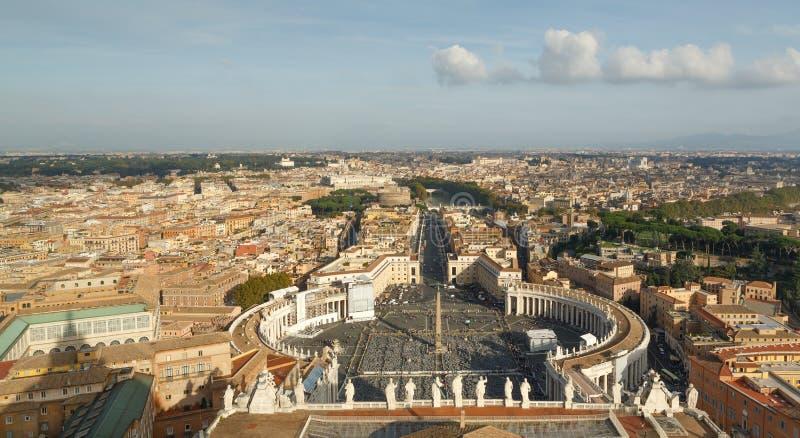 Ansicht von Rom von St Peter Basilika in Italien stockbilder