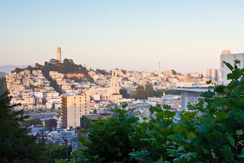 Ansicht von San Francisco von der Lombard-Straße lizenzfreies stockfoto